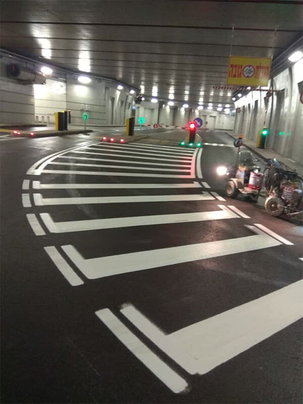 צביעת כבישים לחניה תת קרקעית